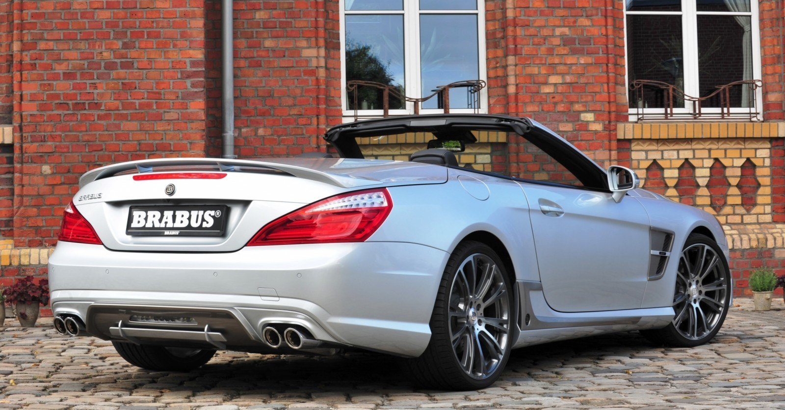 BRABUS Mercedes-Benz SL550 R231 2