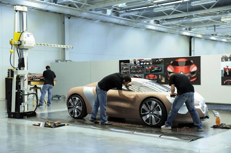 Concept Flashback - 2010 Renault DeZir 33