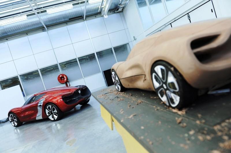 Concept Flashback - 2010 Renault DeZir 34