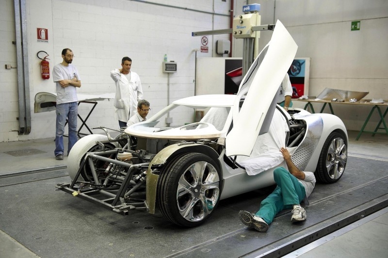 Concept Flashback - 2010 Renault DeZir 35
