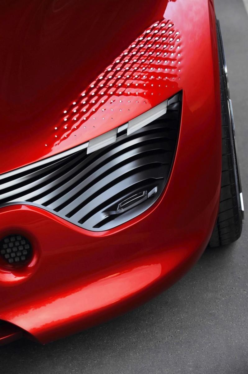 Concept Flashback - 2010 Renault DeZir 44
