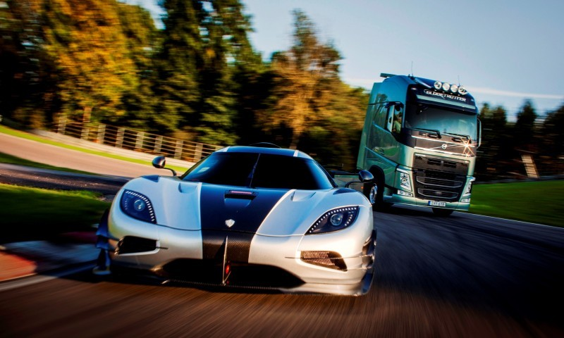Fifth Gear's Tiff Needell Presents - Volvo FH Truck vs Koenigsegg One1 19