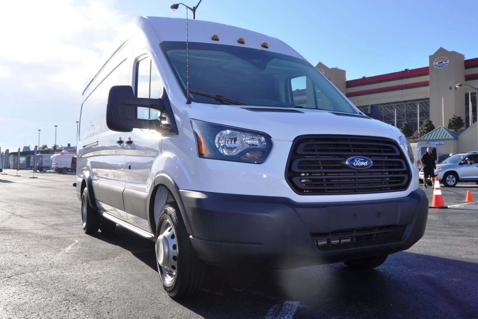 hd track drive review 2015 ford transit powerstroke diesel high roof long box cargo van 11. Black Bedroom Furniture Sets. Home Design Ideas