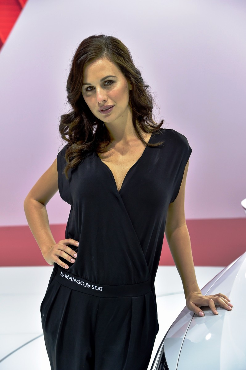 Paris 2014 - The Motor Show Girls 2