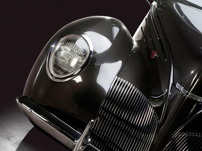 RM Dallas Preview - 600HP V12 1939 Lincoln Zephyr Coupe 10