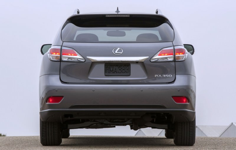 Road Test Review - 2015 Lexus RX350 AWD  3