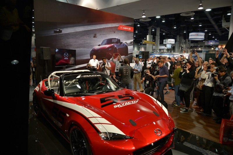 SEMA 2014 Showfloor Photo Gallery - The CARS 16