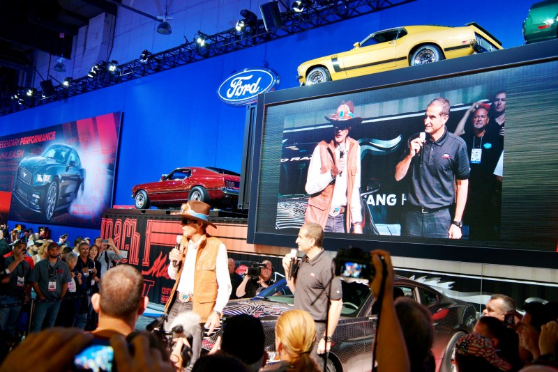 SEMA 2014 Showfloor Photo Gallery - The CARS 3