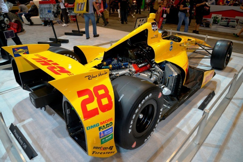 SEMA 2014 Showfloor Photo Gallery - The CARS 7