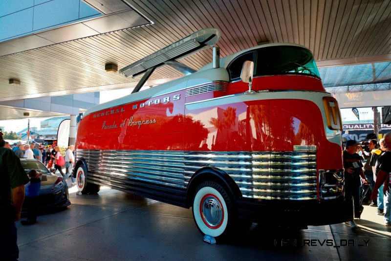 SEMA 2014 Showfloor - TRUCKS Photo Gallery  3