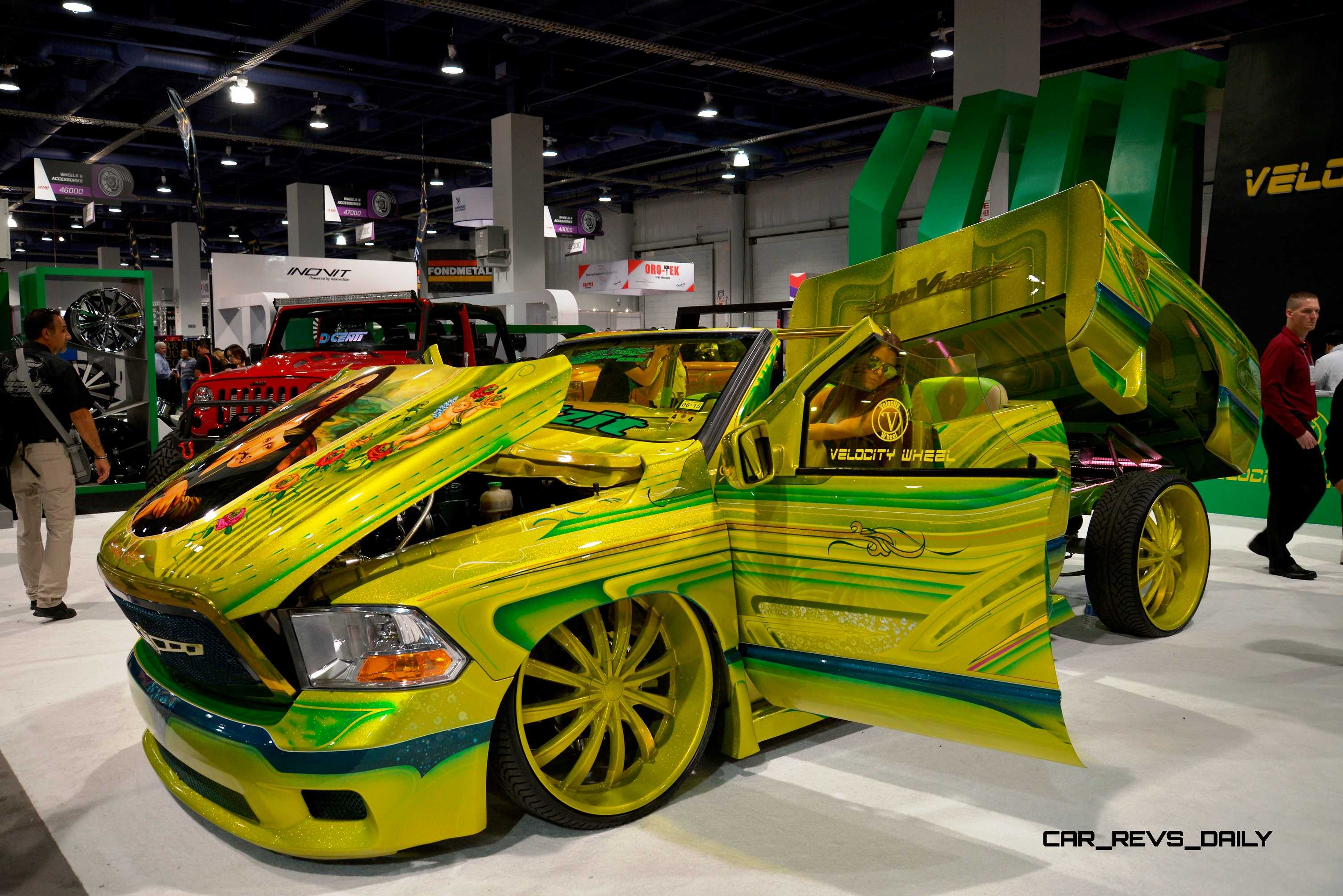 Sema 2014 Showfloor Photo Gallery The Trucks