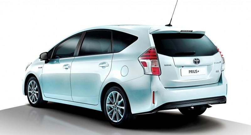 Toyota_Prius_plus_Shot3_R3_4_Final