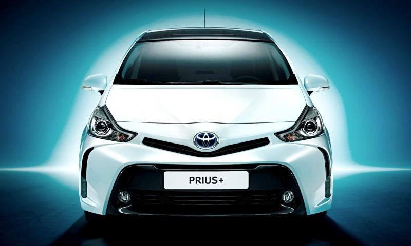 Toyota_Prius_plus_Shot5_Front_Final_Blue