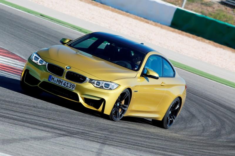Track Drive Video - 2015 BMW M4 8