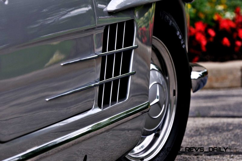 1963 Mercedes-Benz 300SL Roadster 48