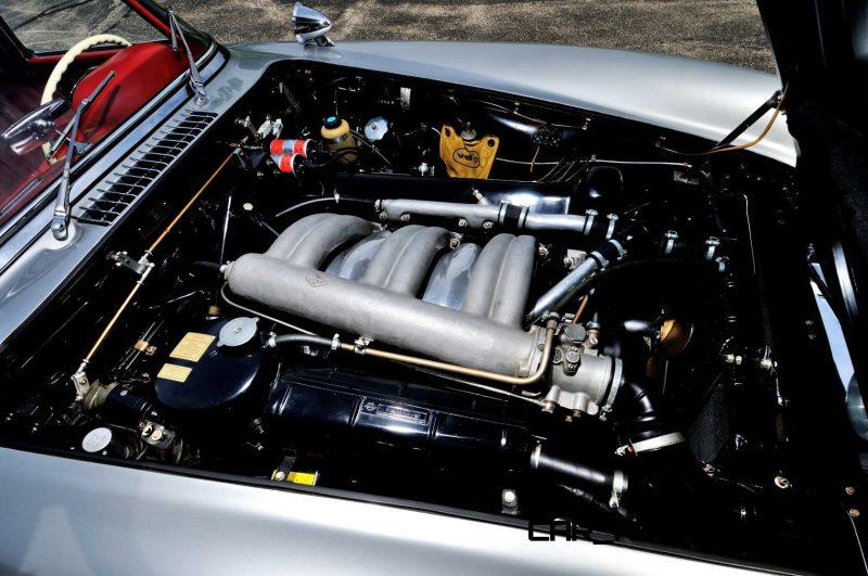 1963 Mercedes-Benz 300SL Roadster 7