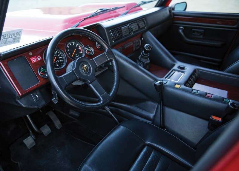 1989 Lamborghini LM002 3