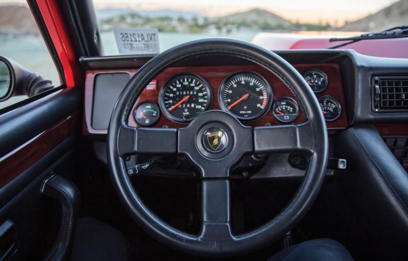 1989 Lamborghini LM002 9