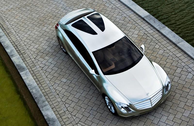 2008 Mercedes-Benz F700 24