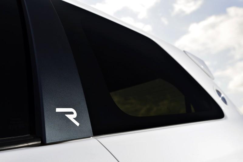 2013 Toyota Yaris Hybrid R 10