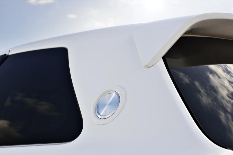 2013 Toyota Yaris Hybrid R 11