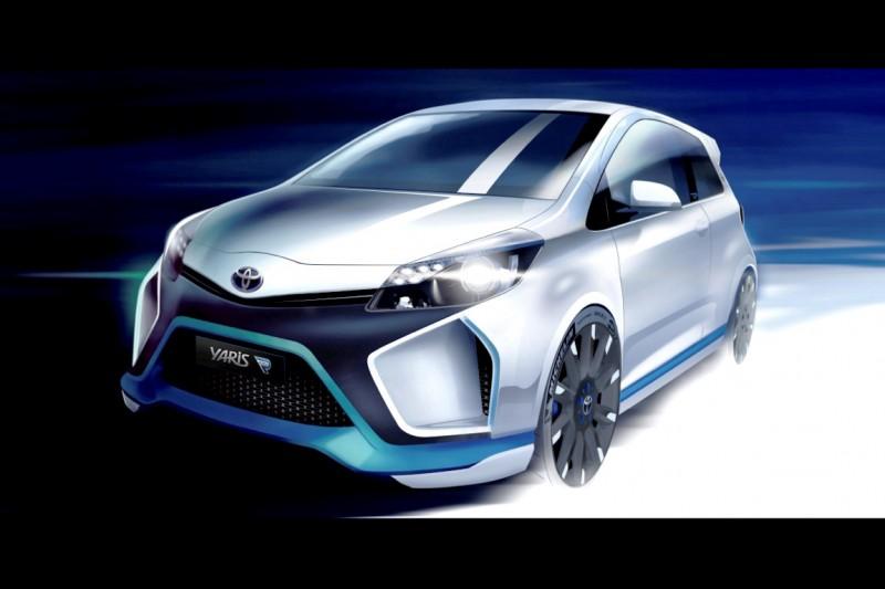 2013 Toyota Yaris Hybrid R 37