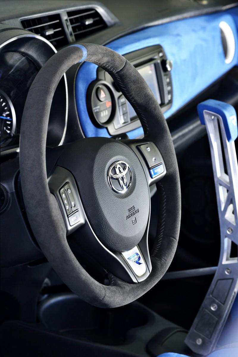 2013 Toyota Yaris Hybrid R 5