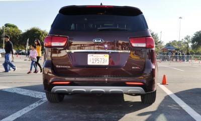 2015 Kia Sedona SXL 34