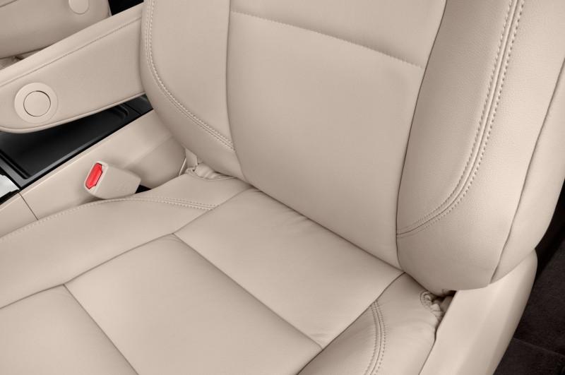 2015 Toyota Sienna XLE 16
