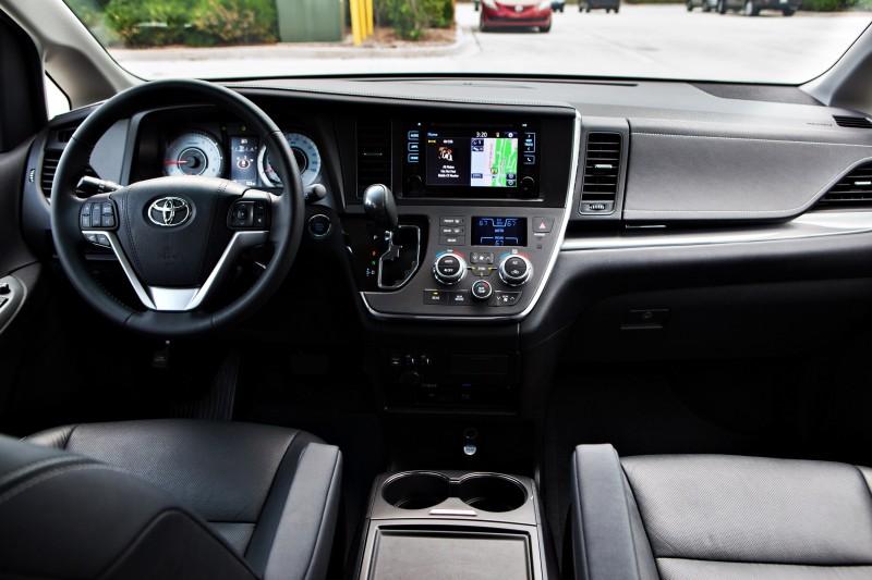 2015 Toyota Sienna XLE 2