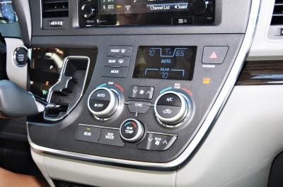 2015 Toyota Sienna XLE 34