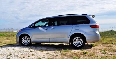 2015 Toyota Sienna XLE 40