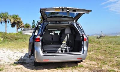 2015 Toyota Sienna XLE 46