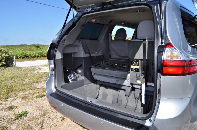 2015 Toyota Sienna XLE 48