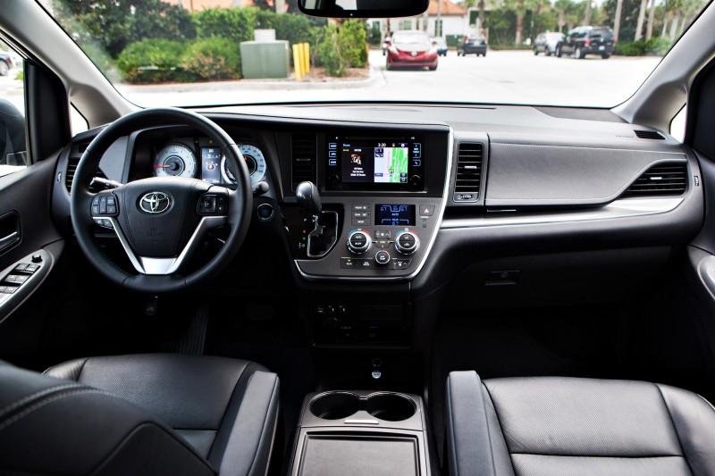 2015 Toyota Sienna XLE 5