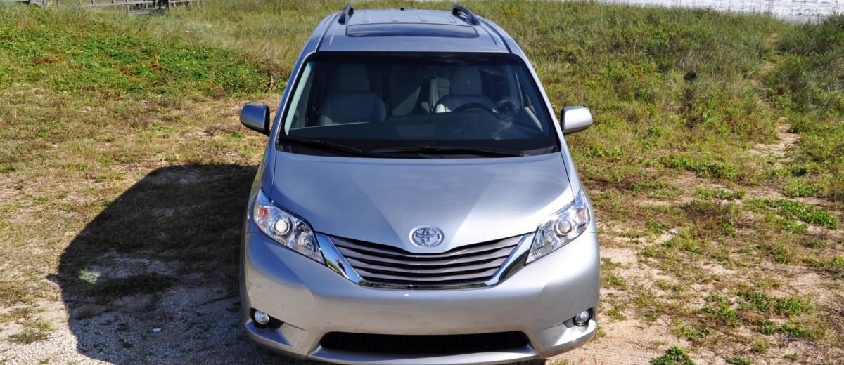 2015 Toyota Sienna XLE 57