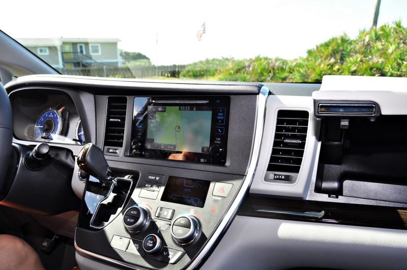 2015 Toyota Sienna XLE 69