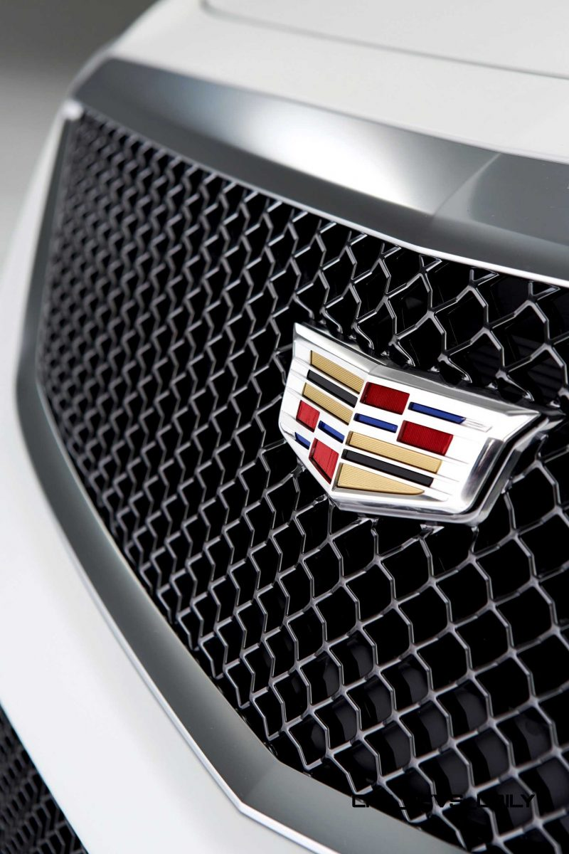 2016 Cadillac CTS-V Crystal White Tricoat 7