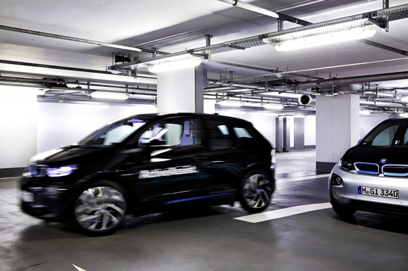 BMW i3 Brings Driverless Valet Parking to CES 2015 1