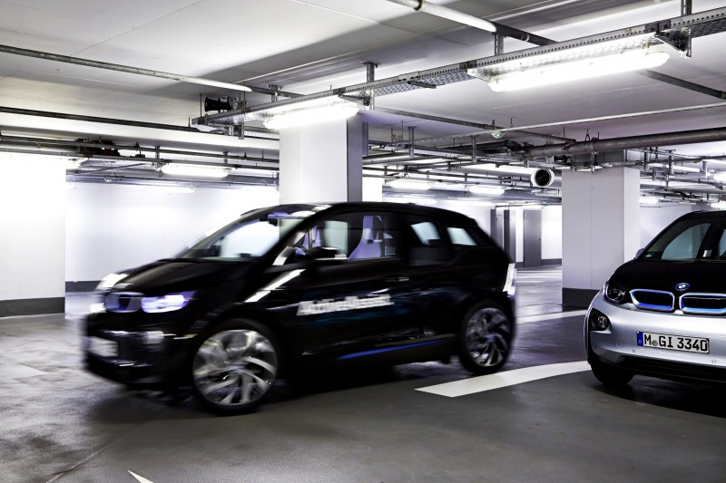 BMW i3 Brings Driverless Valet Parking to CES 2015 2