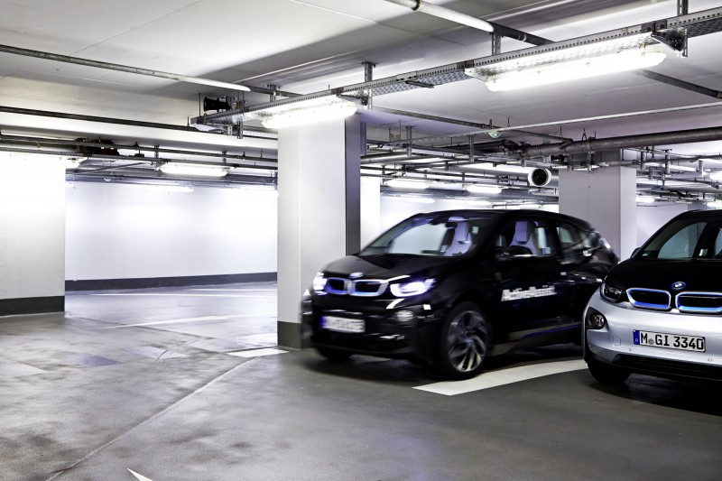 BMW i3 Brings Driverless Valet Parking to CES 2015 3