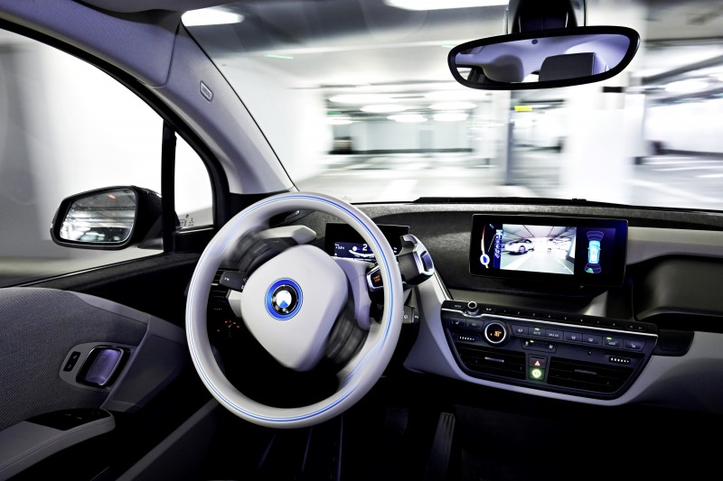 BMW i3 Brings Driverless Valet Parking to CES 2015 5