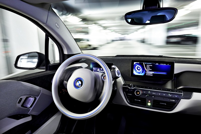 BMW i3 Brings Driverless Valet Parking to CES 2015 6