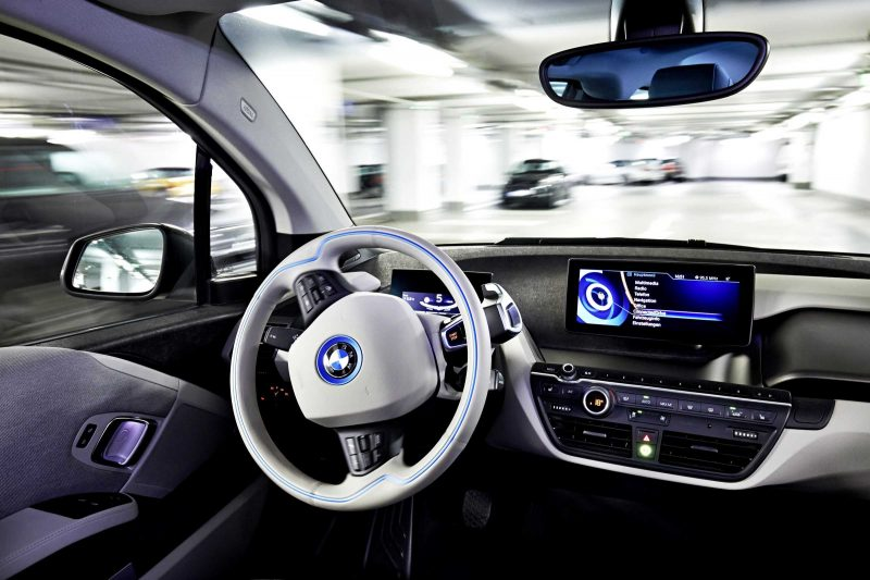 BMW i3 Brings Driverless Valet Parking to CES 2015 7