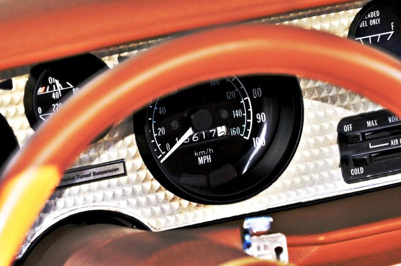 Pontiac Firebird Trans Am Y88 SE Gold Edition 14