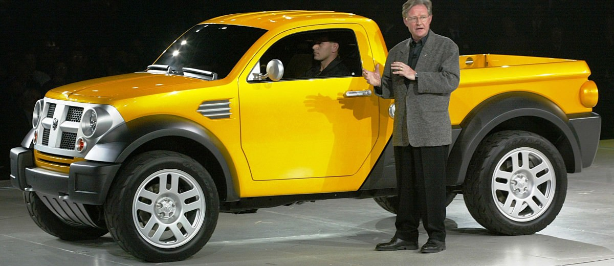 DODGE M80 CONCEPT WORLD DEBUT -- DETROIT Ð January 7, 2002ÑDaiml