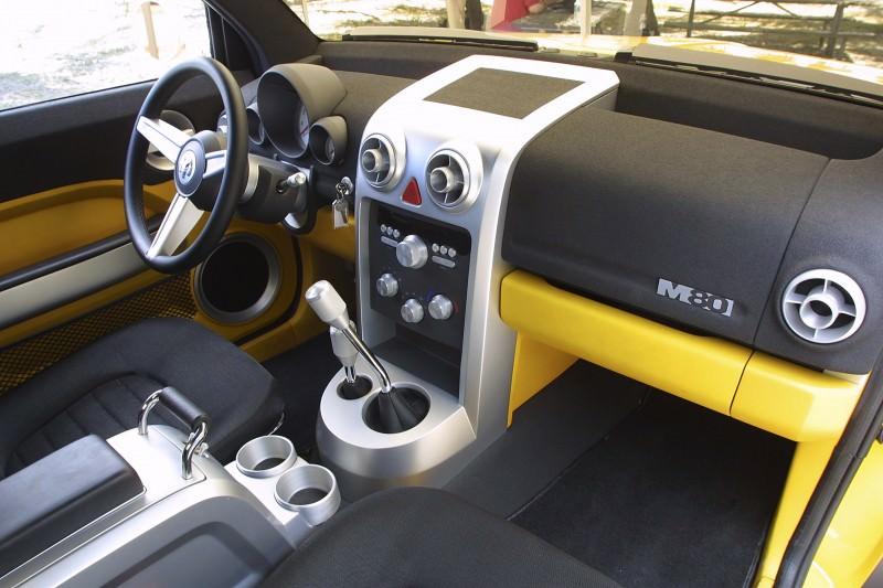 2002 Dodge M80 Concept 22