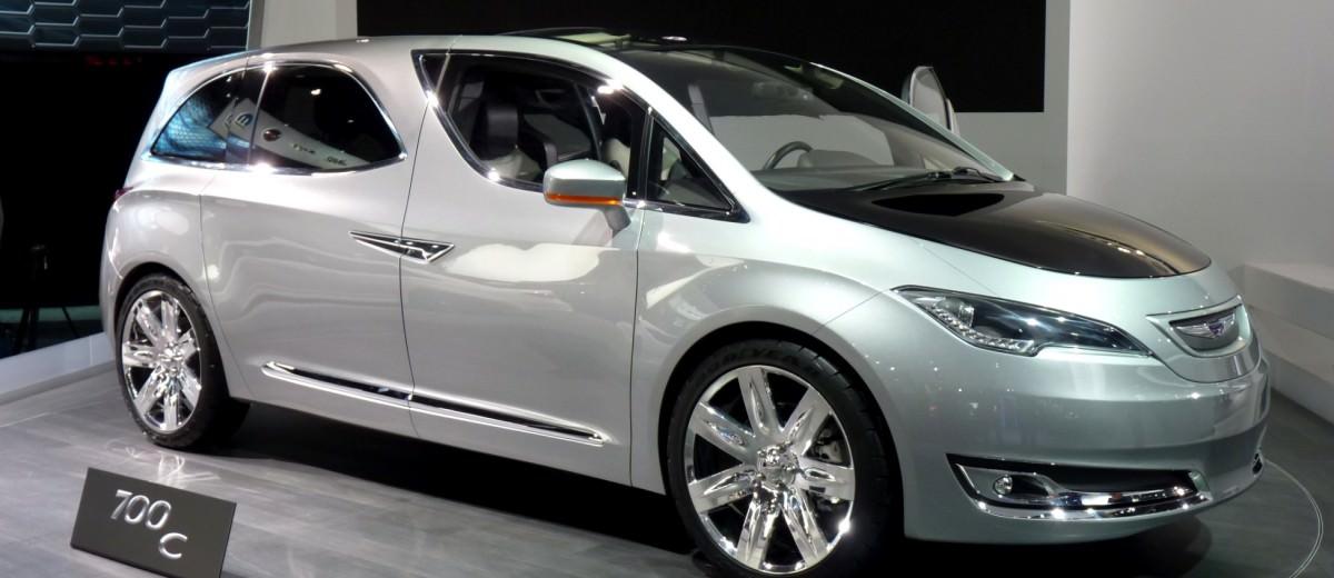2012 Chrysler 700C Concept 12