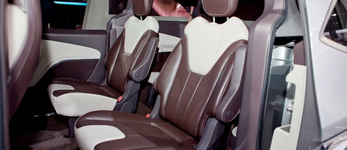 2012 Chrysler 700C Concept 2