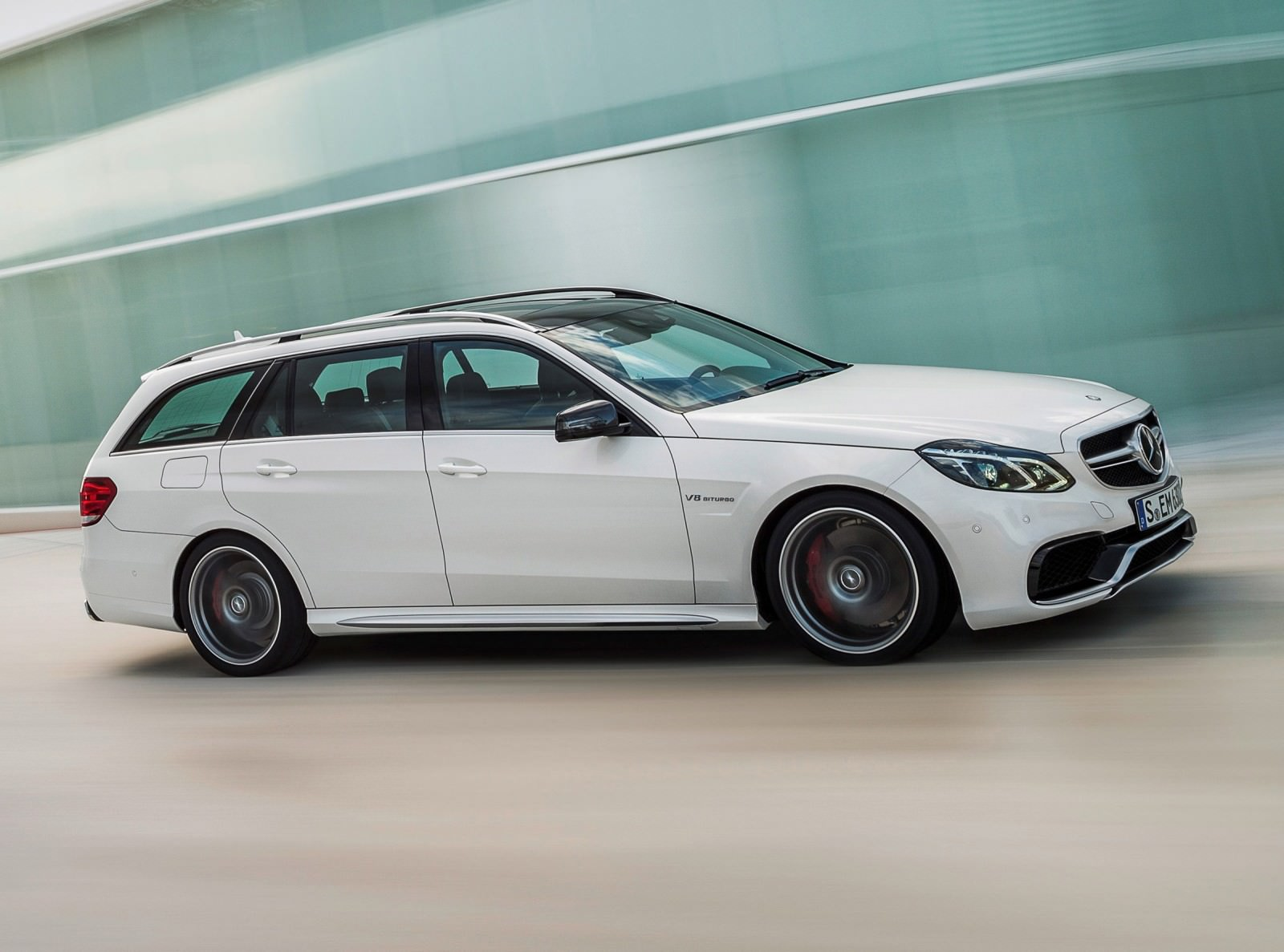 2014 e63 amg s model 4matic wagon. Black Bedroom Furniture Sets. Home Design Ideas
